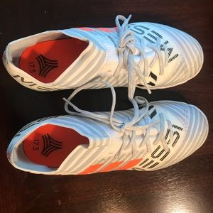 5f9dee4f5 Youth Messi Adidas indoor turf soccer shoes